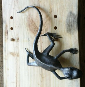 Small Lizard for wall or table